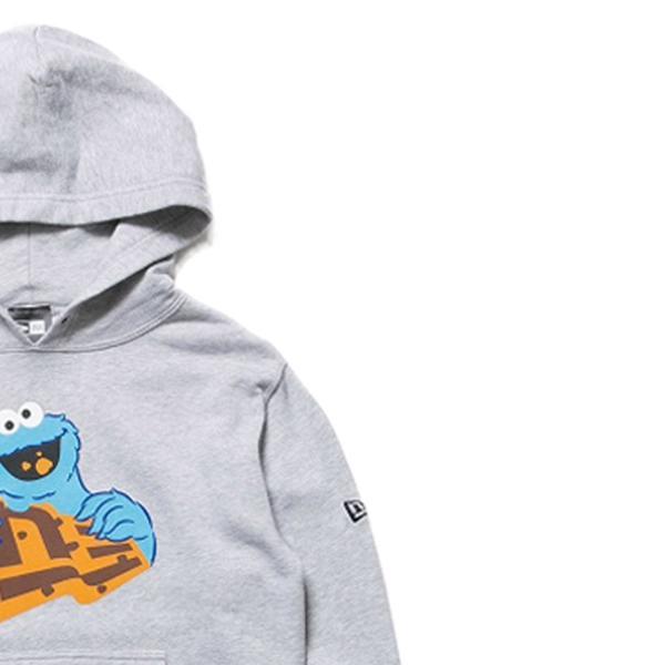 セサミストリート×ニューエラ キッズ スウェット フーディー クッキーモンスター フラッグロゴ グレー Sesame Street×New Era Kids Hoodie Cookie Monster cio 03
