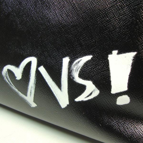 【送料無料】VICTORIA'S SECRET Graffiti Beauty Pouch ヴィクトリアシークレット ポーチ 小物入れ コスメポーチ 大きめ ブラック|climb-f|06