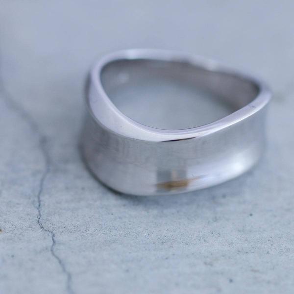 指輪 プラチナ リング レディース 人気