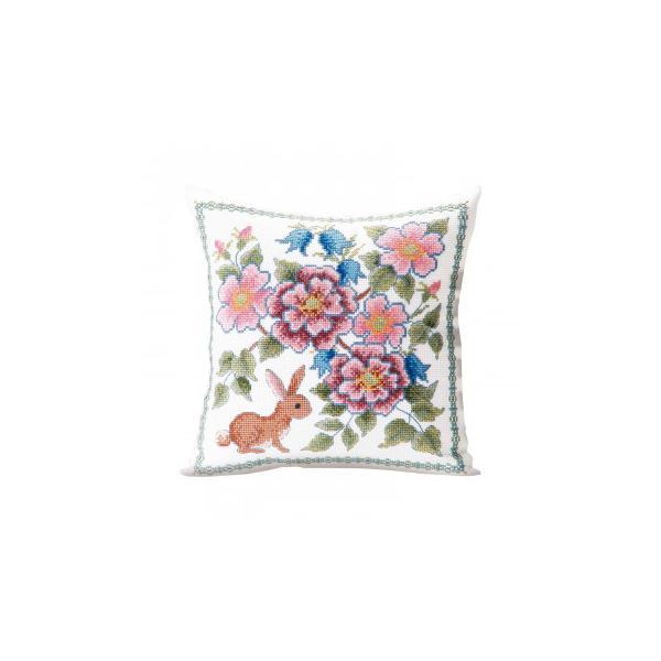 代引・同梱不可 オノエ・メグミ 刺しゅうキットシリーズ 花咲く庭の小さな物語 -テーブルセンター- ブルーベリーとウサギ 1202