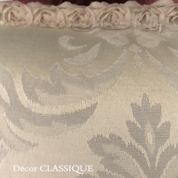 プチタッセル付きクッション 淑女の扇とフルールドリスボゥ グレー系 Decor CLASSIQUE decor-classique 06