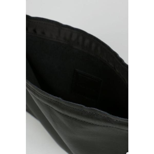 ラドロー Ludlow / LEATHER SCALLOP POCHETTE-BLACK(LD-1908)