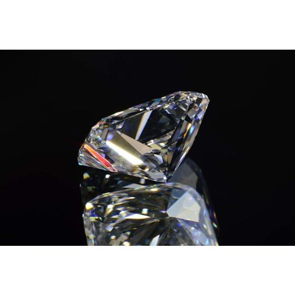 0.5カラット クッションカット ダイヤ Dカラー VS1 神秘的な輝きの蛍光性ストロングブルーちゃん diadia 04