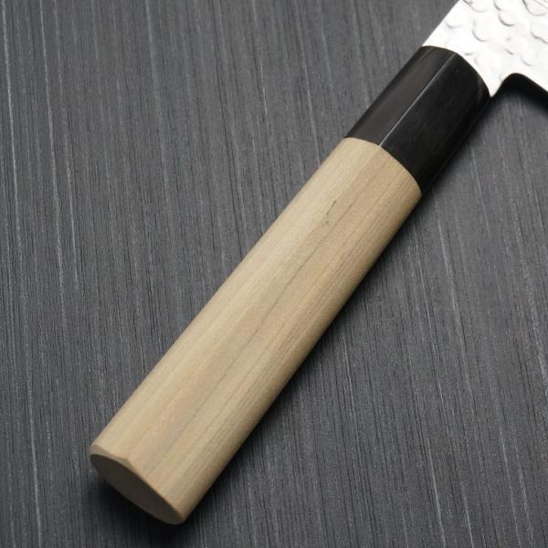 包丁 和三徳 180mm 45層ダマスカス V金10号 ステンレス 槌目模様 6寸 朴木柄 ミルフィーユ 一心刃物 関市 日本製 鮮烈な切れ味永続き|discovery-shop|08