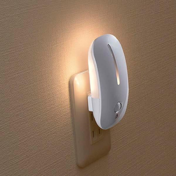 2種類発光 LEDナイトライト(明暗+人感センサー付/電球色)NIT-AE3LA 絶縁カバー付プラグ 壁コンセントに差し込むだけの簡単設置|dreamrelife-store|02
