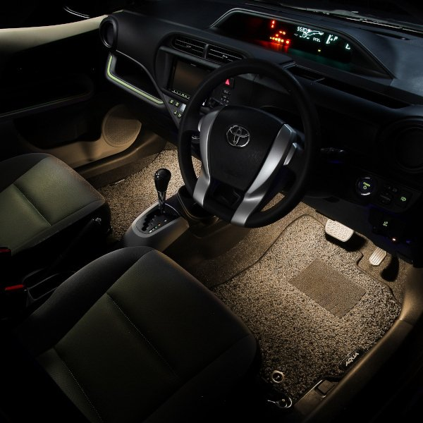 LED フットランプ / フットライト キット  | アクア(NHP10)専用 | エーモン/e-くるまライフ|e-kurumalife|05