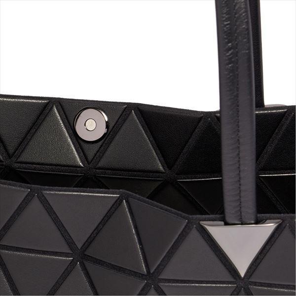 イッセイミヤケ バッグ ショルダーバッグ ISSEY MIYAKE INC. BATEAU MATTE BAG BB88AG351  16 MATTE BLACK   比較対照価格213,740円
