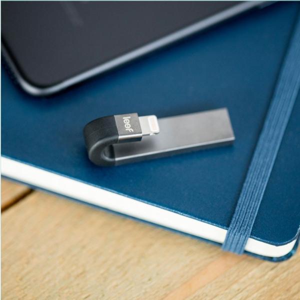 iPhone USBメモリ Leef リーフ iBridge3 アイブリッジ3 128GB USB - Lightningフラッシュメモリ ブラック LIB300KK128E1 ネコポス不可|ec-kitcut|06