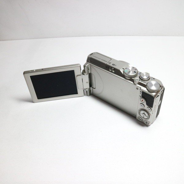 超美品 COOLPIX S9900 シルバー 中古本体 安心保証 即日発送 コンデジ Nikon 本体