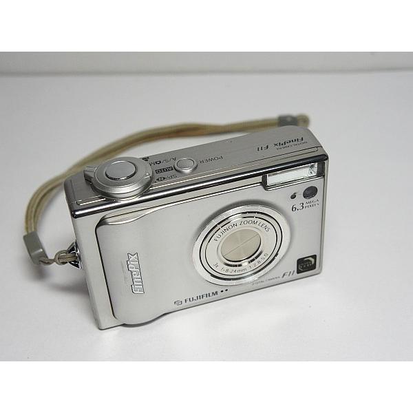 美品 FinePix F11 シルバー 中古本体 安心保証 即日発送 FUJIFILM デジカメ デジタルカメラ 本体