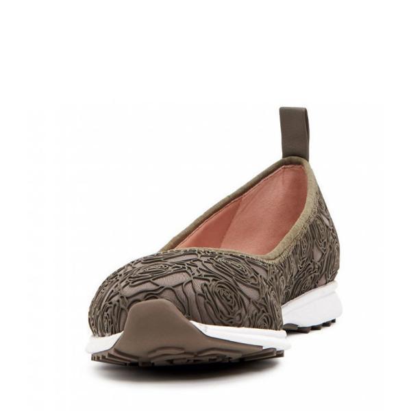 タリン ローズ Taryn Rose レディース スリッポン・フラット シューズ・靴 Bobbi Floral Weatherproof Slip Ons Clay