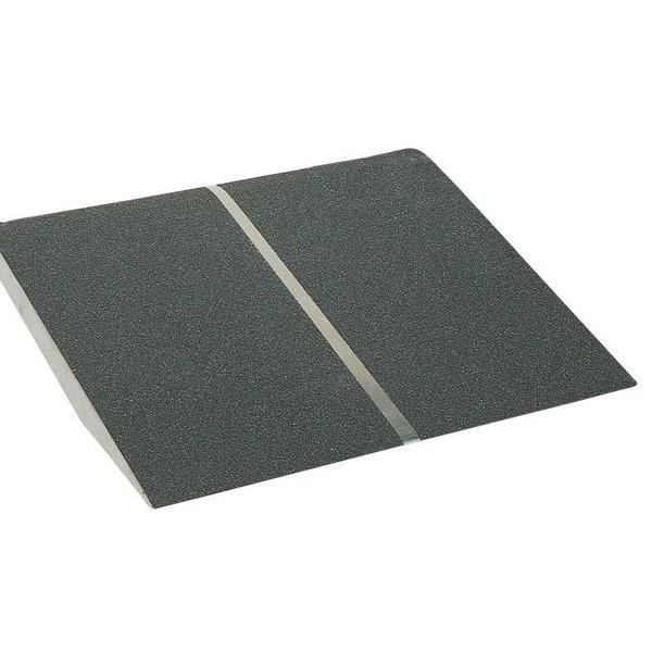 イーストアイ ポータブルスロープ 段差アルミ1枚板タイプ 全長60cm/PVT060