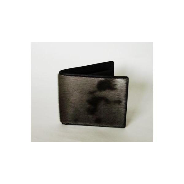 一流の革職人が作るアザラシ二つ折り財布(小銭入れ付き)