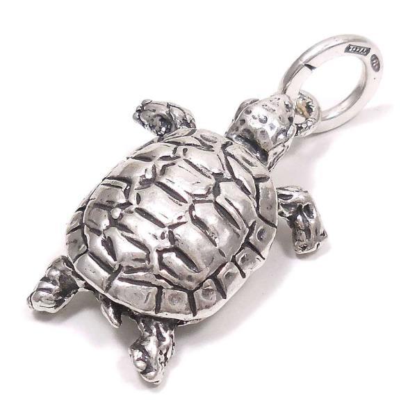 亀の燻し銀チャーム