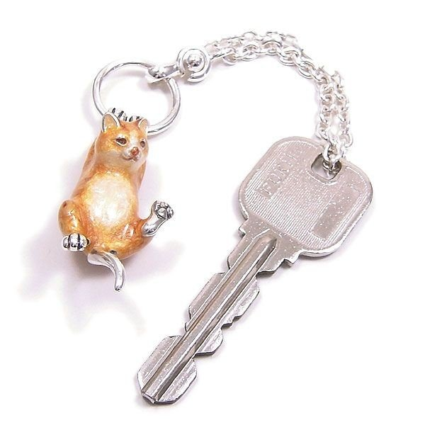 サツルノ:猫の銀製キーホルダー