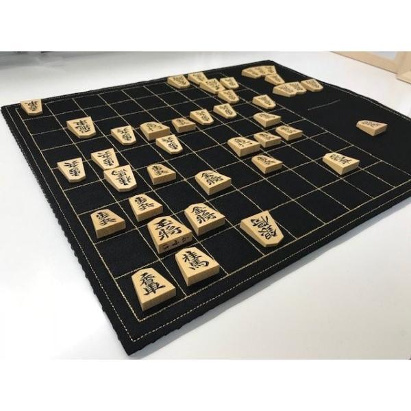 フェルト製 駒台一体型将棋盤 (黒色) 升目は金糸で刺繍|eshisyu|02