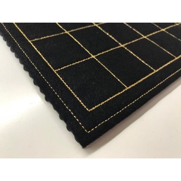 フェルト製 駒台一体型将棋盤 (黒色) 升目は金糸で刺繍|eshisyu|03