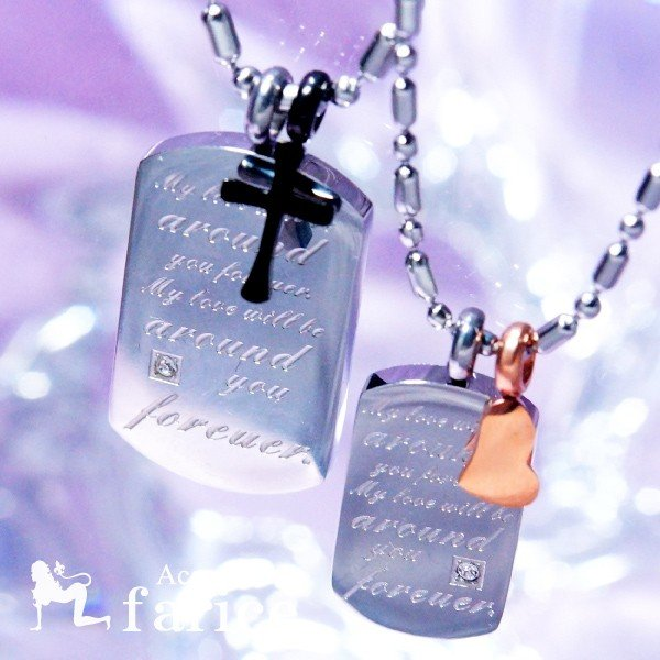 「私の愛は永遠にあなたのそばに」文字彫り キュービックジルコニア装飾 ステンレス ペアペンダント ペアネックレス「ブラック&クロスorピンク&ハート」