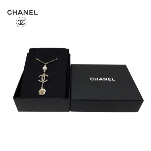 CHANEL Pearl CC Rhinestone Gold Camellia Necklace シャネル パール CC ラインストーン ゴールドカメリア ネックレス