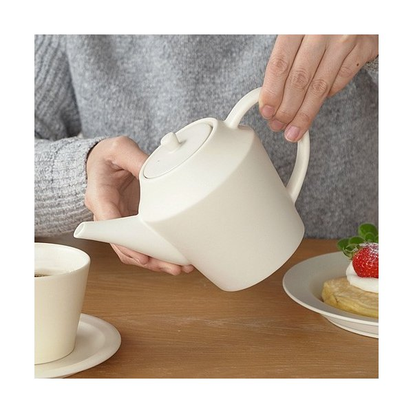 SAKUZAN Sara ポット ティーポット 茶こし付 カフェ おうちカフェ 作山窯 美濃焼 陶器 食器 日本製 和食器 手仕事 器 手作り 贈り物|favoritestyle|04