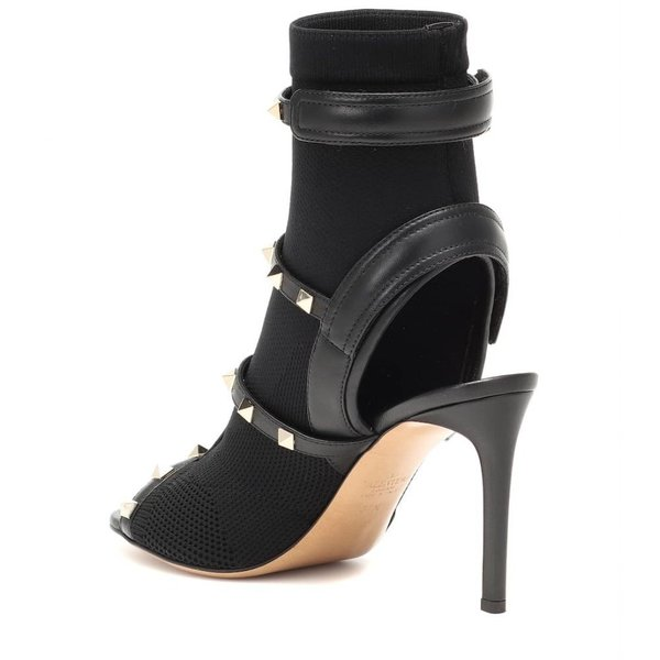 ヴァレンティノ Valentino レディース サンダル・ミュール シューズ・靴 Garavani Cage Rockstud sandals Nero