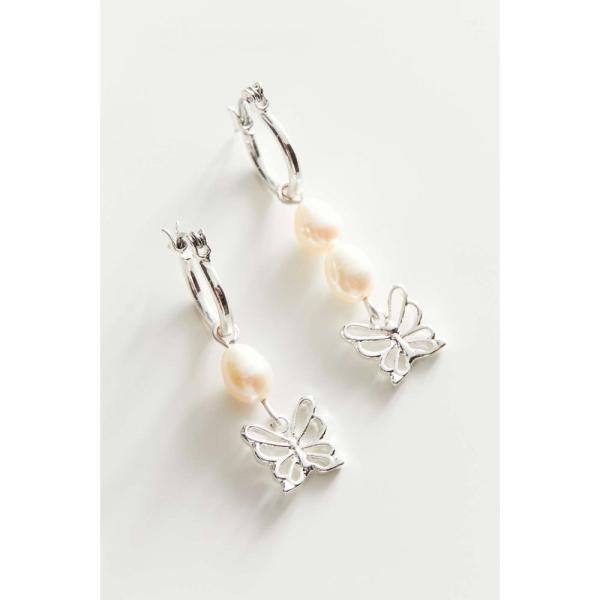 アーバンアウトフィッターズ Urban Outfitters レディース イヤリング・ピアス フープピアス チャーム Pearl Butterfly Charm Hoop Earring Lavender/Silver