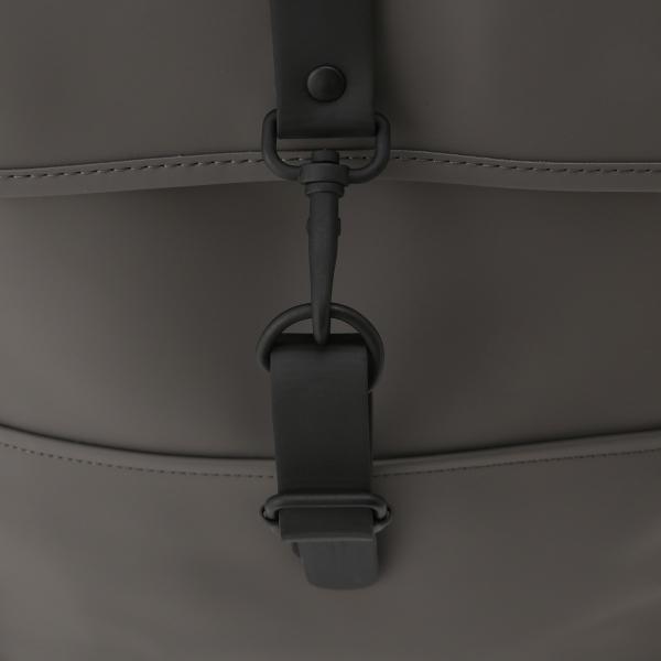 【即納】レインズ RAINS ユニセックス バックパック・リュック バッグ Backpack 1220 Charcoal デイパック 防水 fermart 06