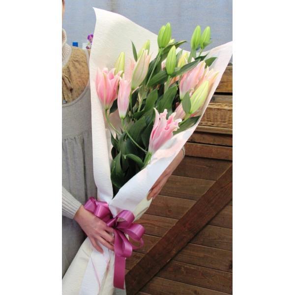 長いユリが5本の花束、大切な人へのギフト、お誕生日などに|flowerexpress-com|11