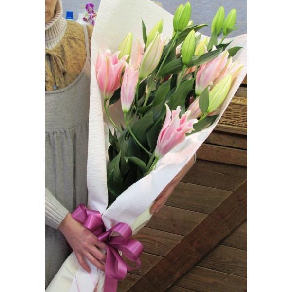 長いユリが5本の花束、大切な人へのギフト、お誕生日などに|flowerexpress-com|13