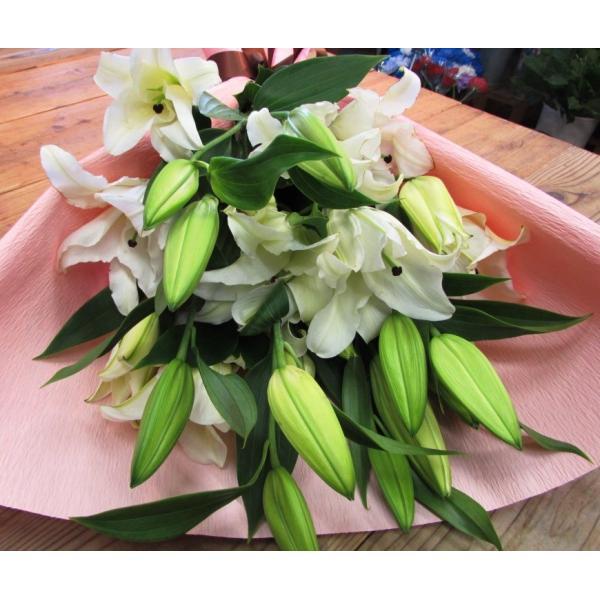 長いユリが5本の花束、大切な人へのギフト、お誕生日などに|flowerexpress-com|03