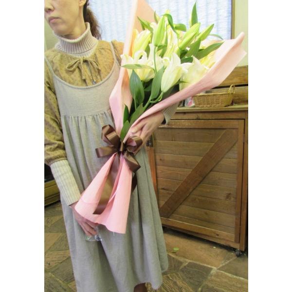長さ80cm!ユリが5本の花束、送料無料、大切な人へのギフト、お誕生日などに|flowerexpress-com|05