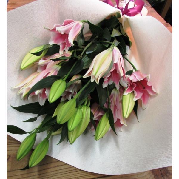 長いユリが5本の花束、大切な人へのギフト、お誕生日などに|flowerexpress-com|07