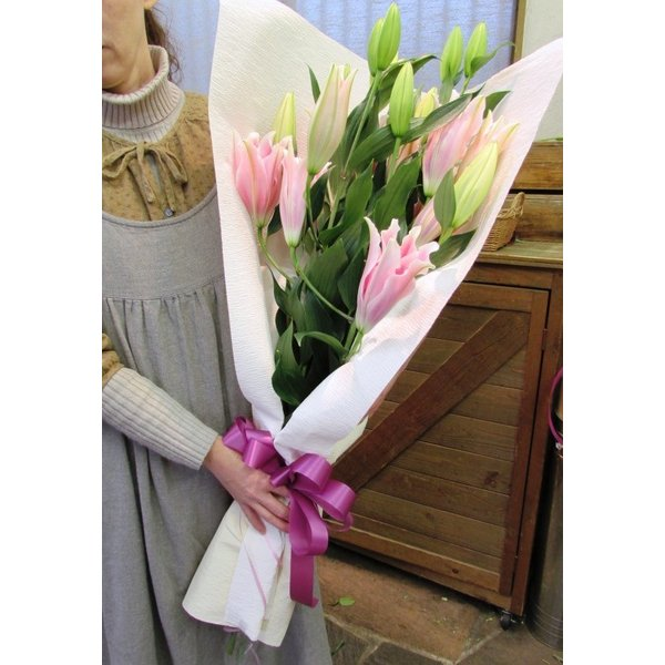 長さ80cm!ユリが5本の花束、送料無料、大切な人へのギフト、お誕生日などに|flowerexpress-com|10