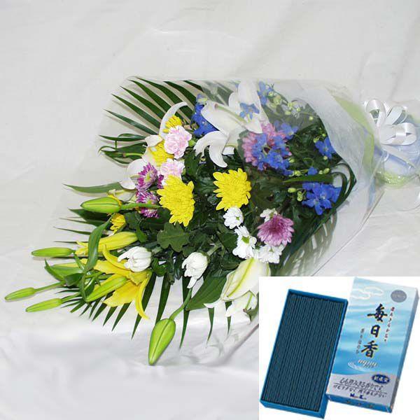 お線香(毎日香アクア バラ詰)+仏事用おまかせ花束、メッセージカード付、商品画像配信付き (HTF01_35)