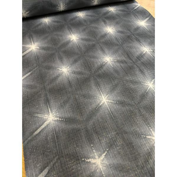 藤井絞 綿麻きもの 紅梅 雪花絞り 八つ畳 墨 板締め 仕立代込|fujikobo-yshop|02