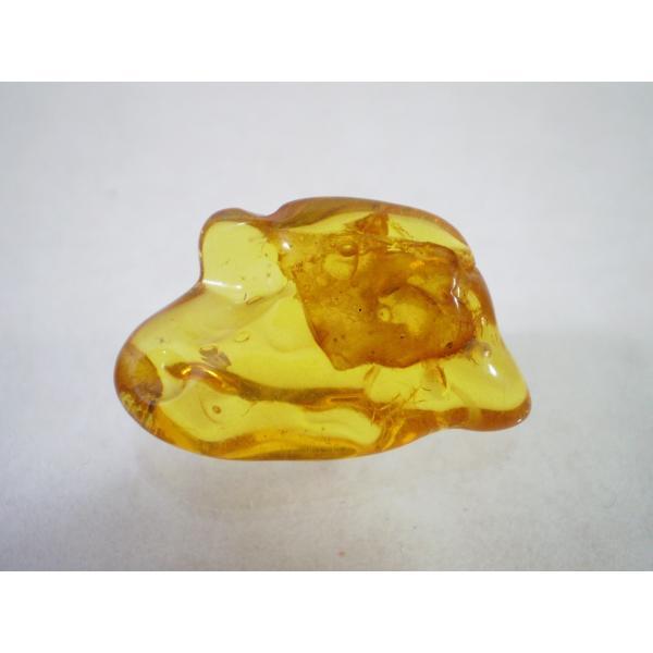 琥珀(こはく)原石 神秘のパワーストーンコハク