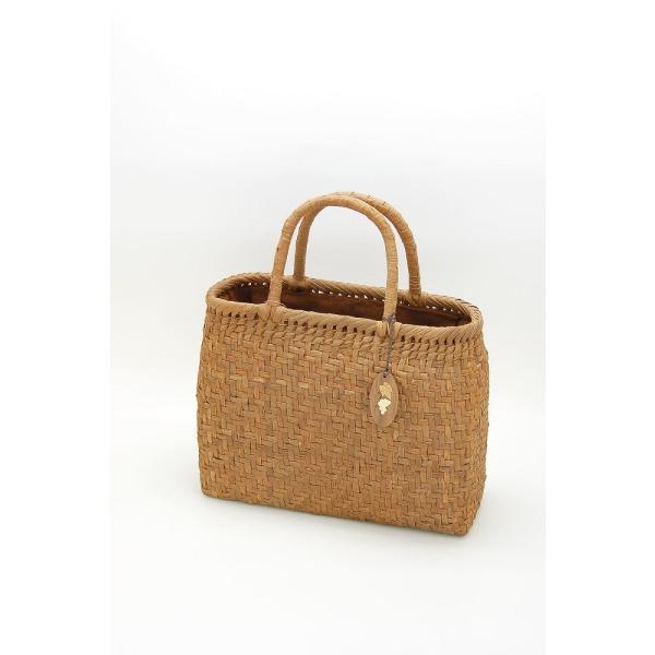 山ぶどう やまぶどう籠 山葡萄かごバッグ かごバック カゴ 籠 バッグ かぶせ 内布付 沢皮 さわかわ 中サイズ
