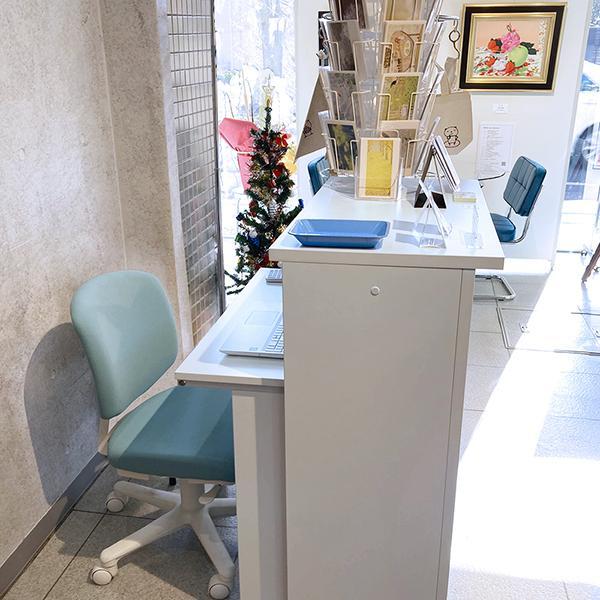 上質の材質・表面強度で、受付カウンター インフォーメーション カウンター W900×D450×H1000 おしゃれで拡張性  クリニック ホワイトRFHC-900|garage-murabi|06