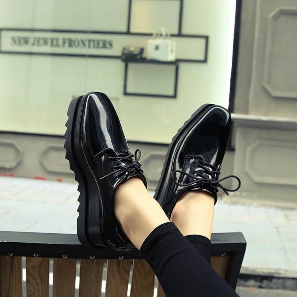 シンプル スクエアトゥ 厚底 レディース おしゃれ かわいい ローカット おじ靴 エナメル ファッション 春 秋 通勤 通学