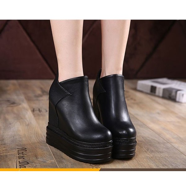 c61ffbe297d39d ... ショートブーツ レディース 冬靴 ブーツ ブーティー 黒 厚底靴 美脚 インヒール 厚底 疲れにくい 大人 ...