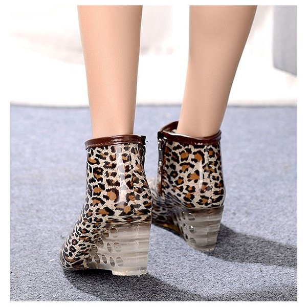 レインブーツ レインシューズ ブーツ ショート丈 雨具 カジュアル 可愛い系 無地 オシャレアイテム 今季新作 ファッション 人気 女子