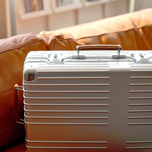 イノベーター アルミスーツケース メーカー直送  Sサイズ 2年保証付き INV1811 1〜2日 機内持ち込み 36L innovator TSAロック搭載 ダイヤルロック|haloaboxart|12