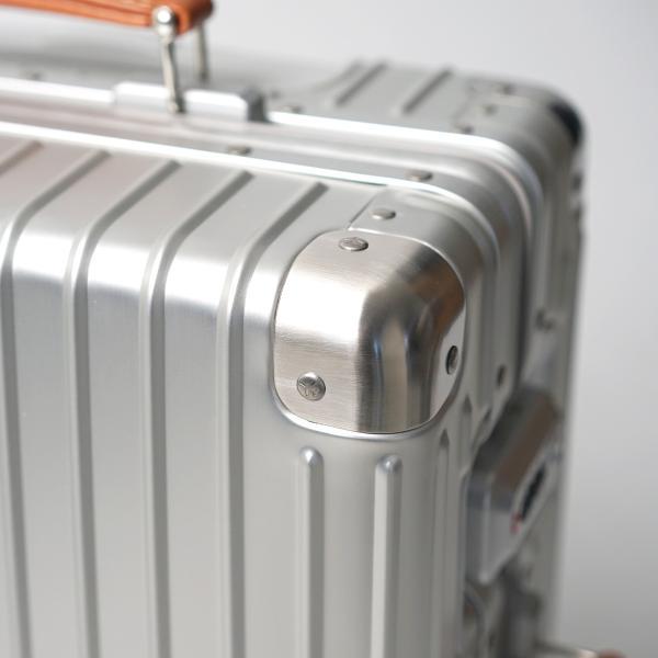 イノベーター アルミスーツケース メーカー直送  Sサイズ 2年保証付き INV1811 1〜2日 機内持ち込み 36L innovator TSAロック搭載 ダイヤルロック|haloaboxart|03