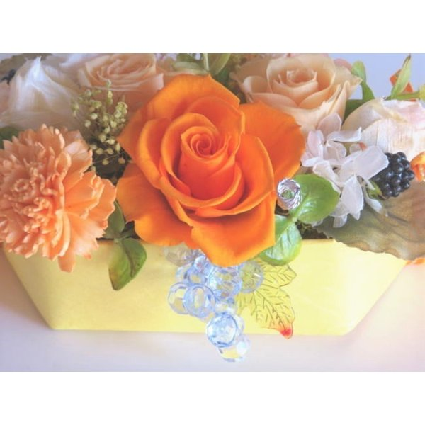プリザーブドフラワー ギフト アレンジ 華やか オレンジ 誕生日 退職 結婚 お祝い バースデー 贈答 ケースつき|hanazakkahanako|02