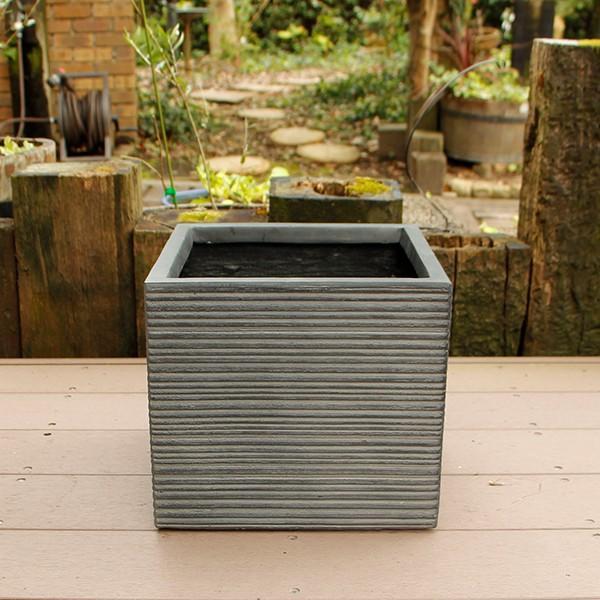 植木鉢 ファイバークレイ ストライプ 角型 30×27 ブラック