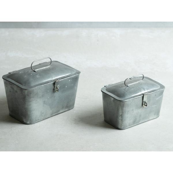 懐かしさを感じるブリキの素材感/S・Mセット<トラペゾイド収納BOX>の写真