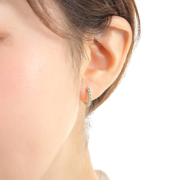K10WG フープ ピアス エメラルド 0.16ct ホワイトゴールド エタニティ パヴェ 1.7×13.5mm 両耳 2個 中折 メンズ レディース おしゃれ 送料無料