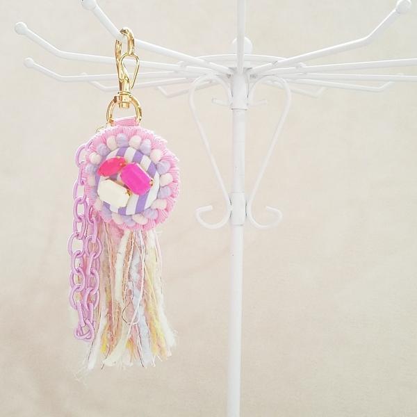 DM便送料無料 ロゼットとタッセルのカラフルキーホルダー pink(受注製作)「haussement innocent」|hi-inari|04