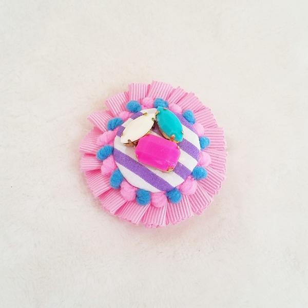 DM便送料無料 グログランリボンのロゼットヘアクリップ&ブローチ・pink「haussement innocent」