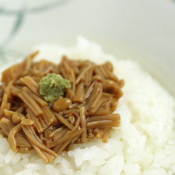 ピリ辛えのき茶漬 なめ茸 唐辛子入り ご飯のお供  佃煮 国産 ご飯のおかず|hida-yama-sachi|03